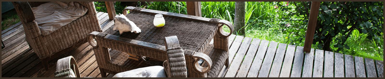 דק עץ לחצר