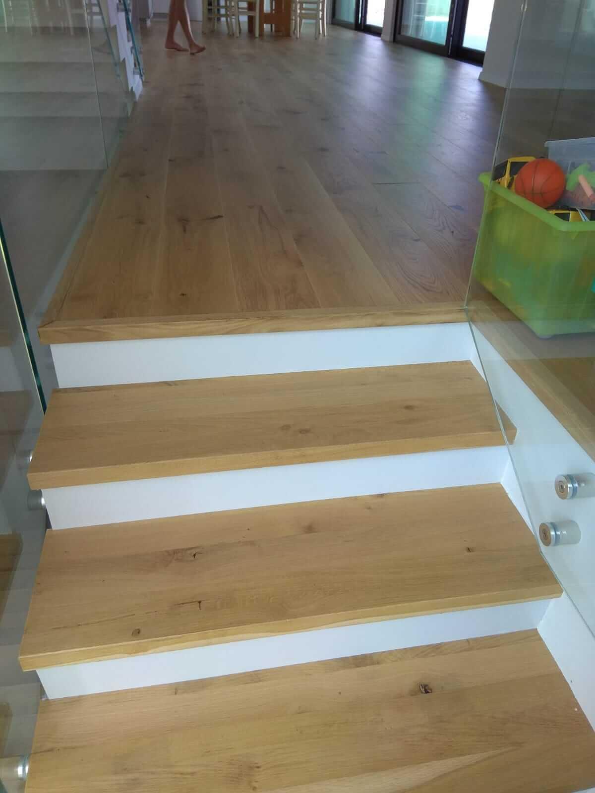 מדרגות פרקט עץ טבעי